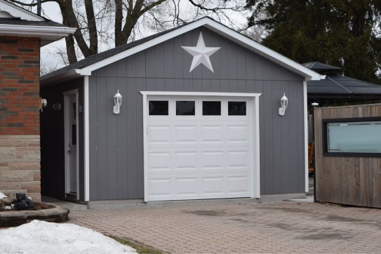 Custom Simcoe Style Garage 02